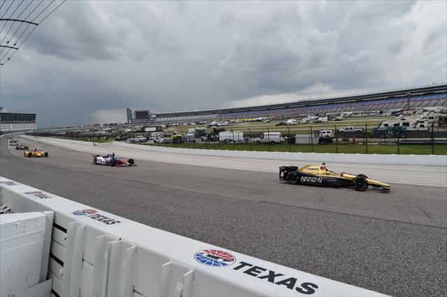 IndyCar: Ft. Worth - Stopped by rain after 71 laps, will finish Aug. 27