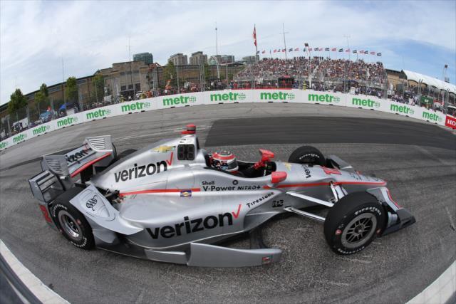 IndyCar: Toronto – Power beats Castroneves, Hinchcliffe